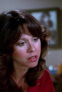 Elaine Giftos