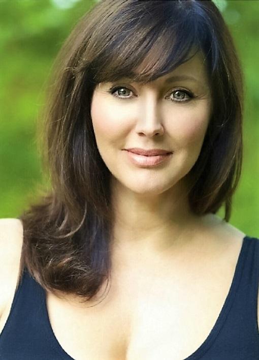 Bobbie Phillips, Born: 29 January 1968, Charleston, South ...
