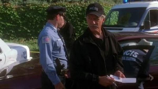 NCIS - Season 4 Episode 04: Faking it