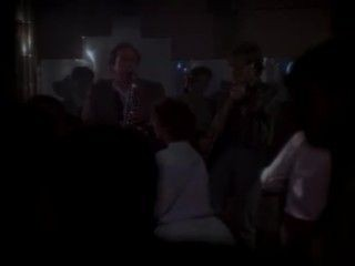 MacGyver - Season 1 Episode 18: Ugly Duckling