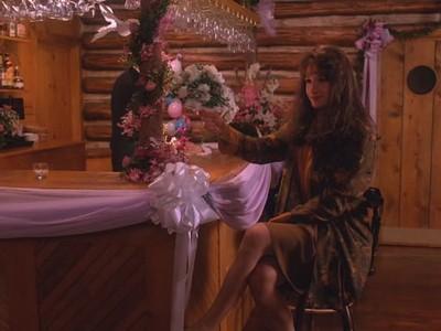 Twin Peaks - Season 2 Episode 11: Masked Ball