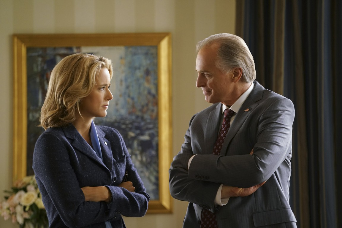 Madam Secretary - Season 2 Episode 23: Vartius