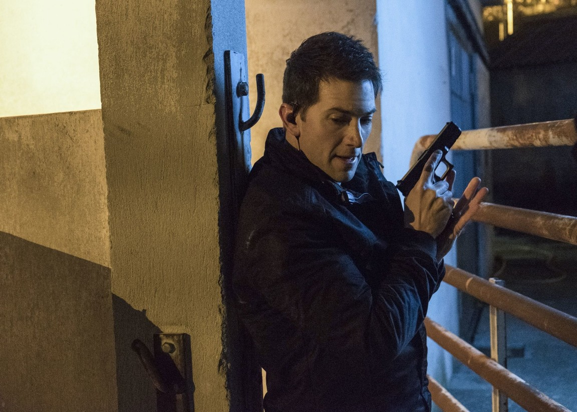 Ransom - Season 1 Episode 13: Bulletproof