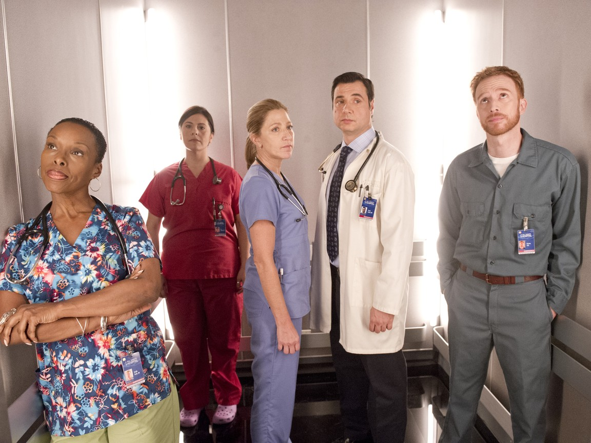 Nurse Jackie - Season 6 Episode 8: The Lady With The Lamp