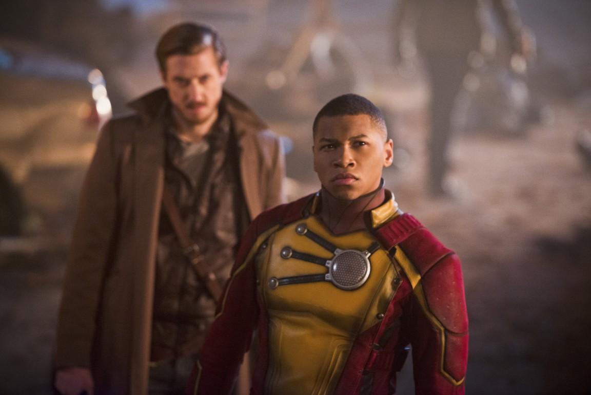 DCs Legends of Tomorrow - Season 1 Episode 6: Star City 2046