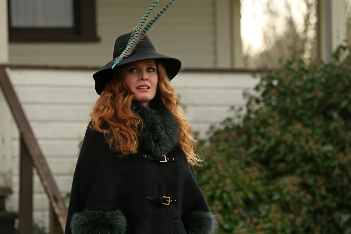 Once Upon A Time - Season 5 Episode 18: Ruby Slippers