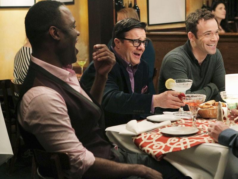 Modern Family - Season 2 Episode 18: Boys' Night