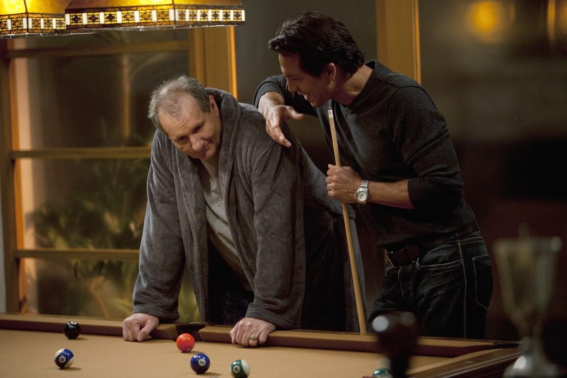 Modern Family - Season 1 Episode 11: Up All Night