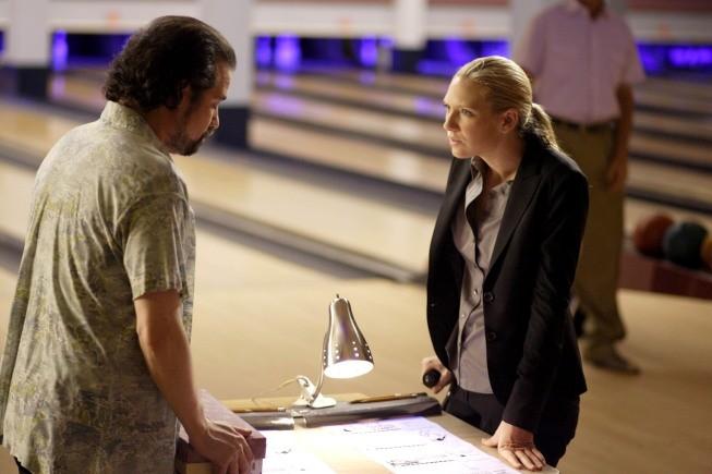 Fringe - Season 2 Episode 03: Fracture