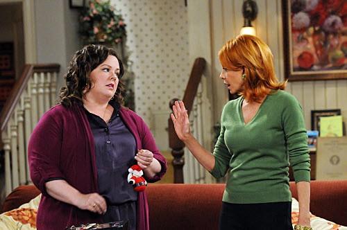 Mike & Molly - Season 1 Episode 12: First Christmas