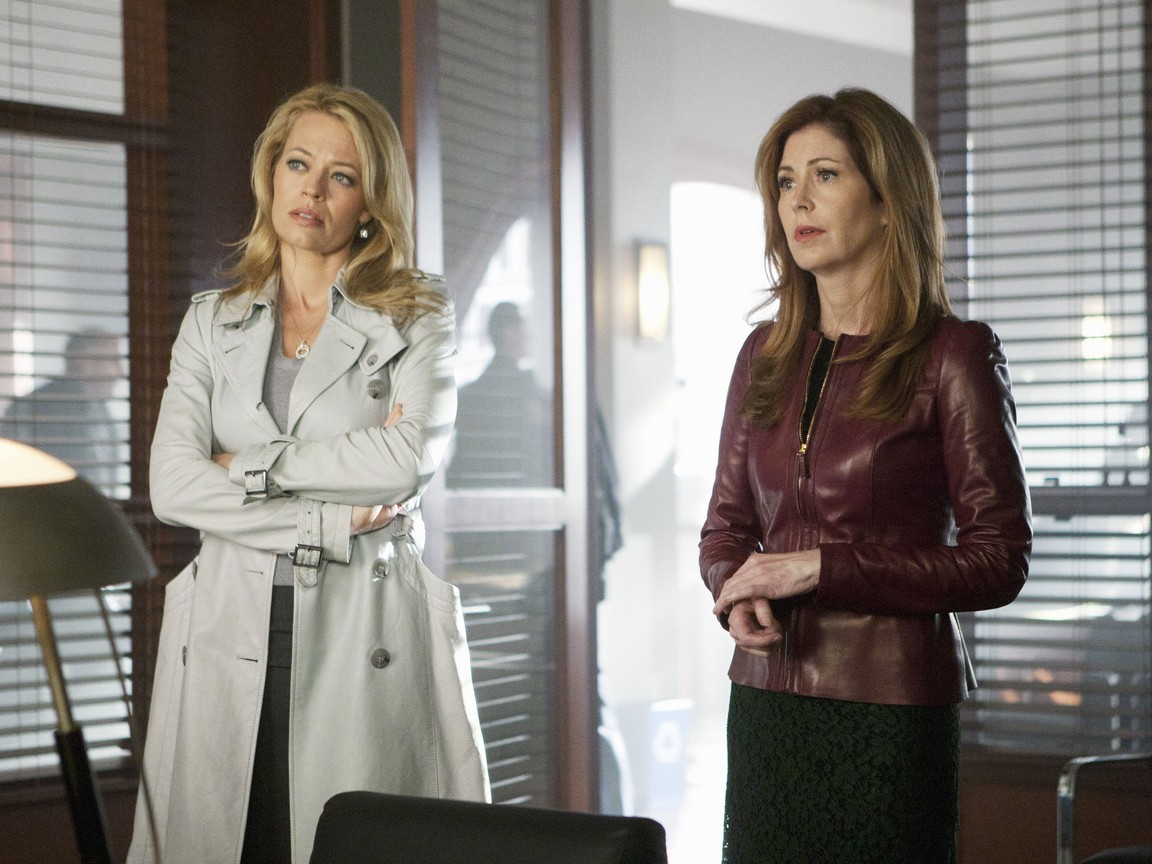 Body of Proof - Season 2 Episode 12: Shades of Blue