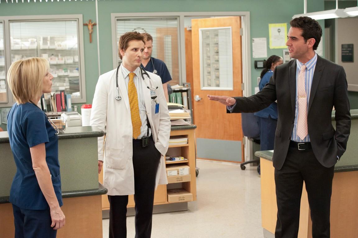 Nurse Jackie - Season 4 Episode 10: Handle Your Scandal