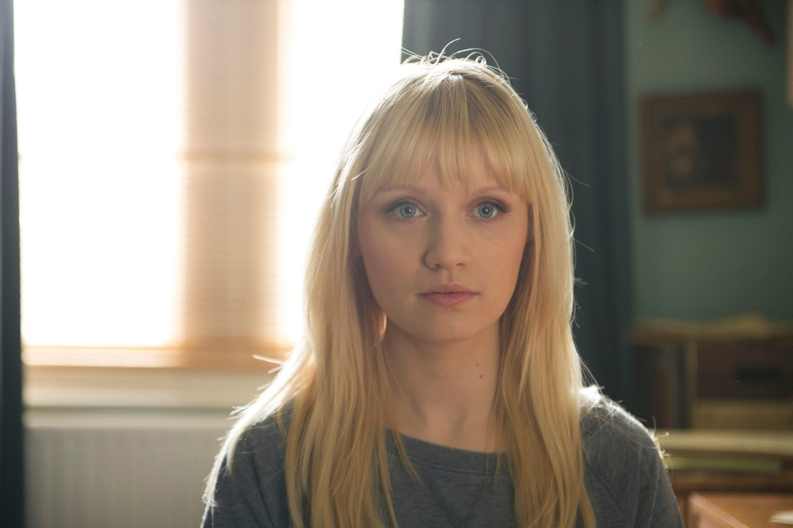 Humans - Season 1 Episode 06