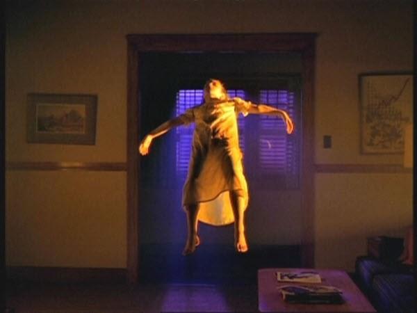 The X-Files - Season 2 Episode 1:Little Green Men